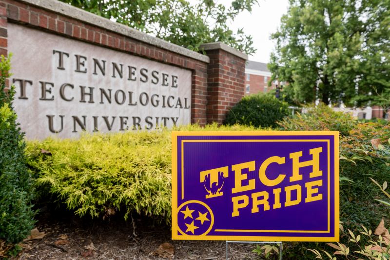Tennessee Tech sign and a Tech pride sign